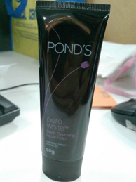 Pond's Pure White Facial Foam